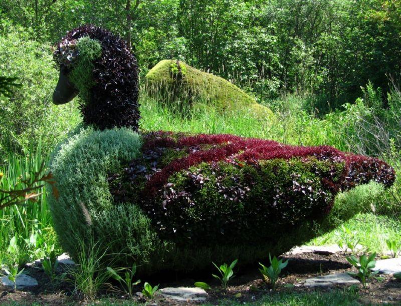 Скульптуры из цветов также можно сделать самостоятельно
