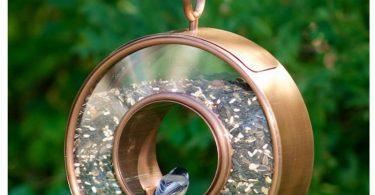 Интересная кормушка для птичек