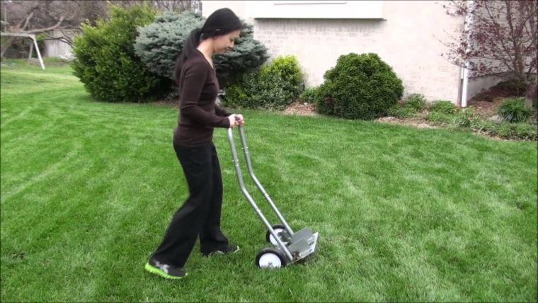 Как сделать аэратор газона
