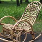 Кресло в саду