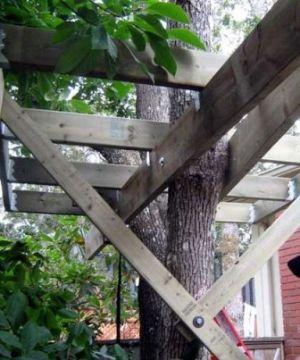 Ммонтаж основы на дереве