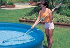 Уборка бассейна пылесосом