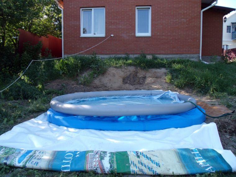 сдутый бассейн