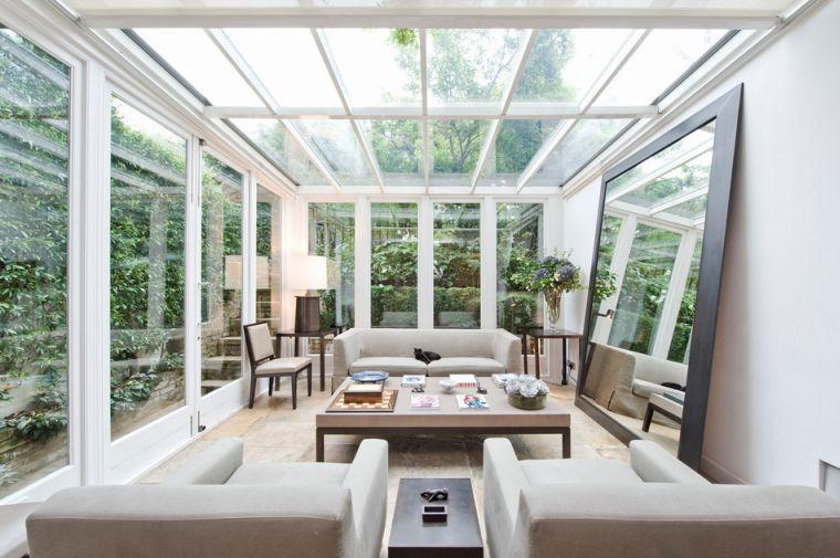 Остекленная веранда с прозрачной крышей