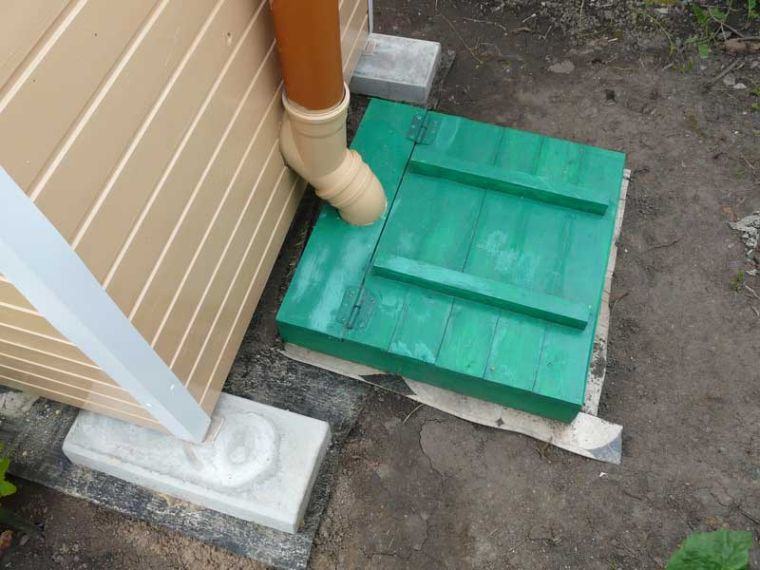 Как сделать дачный туалет своими руками с ямой