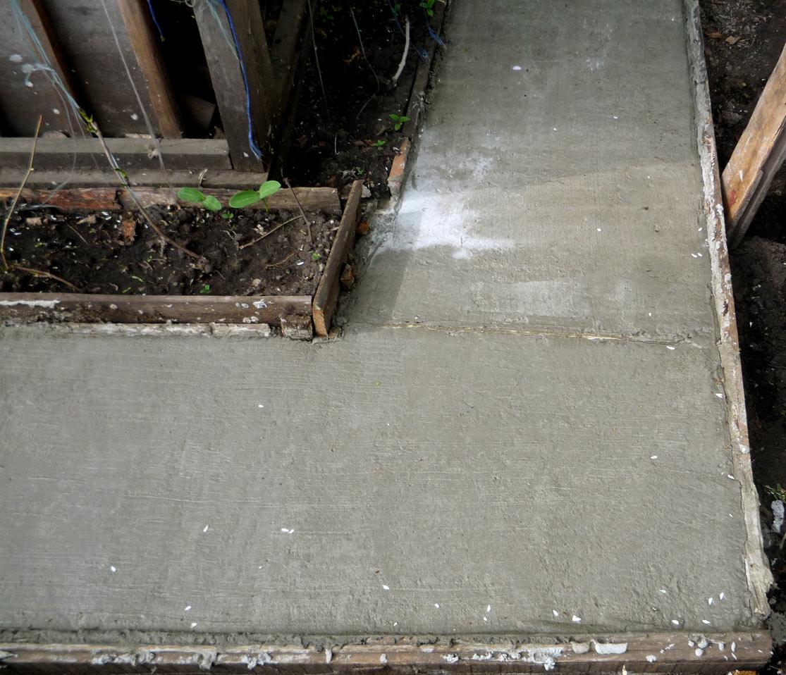 Дорожки своими руками бетонная дорожка на даче фото 841