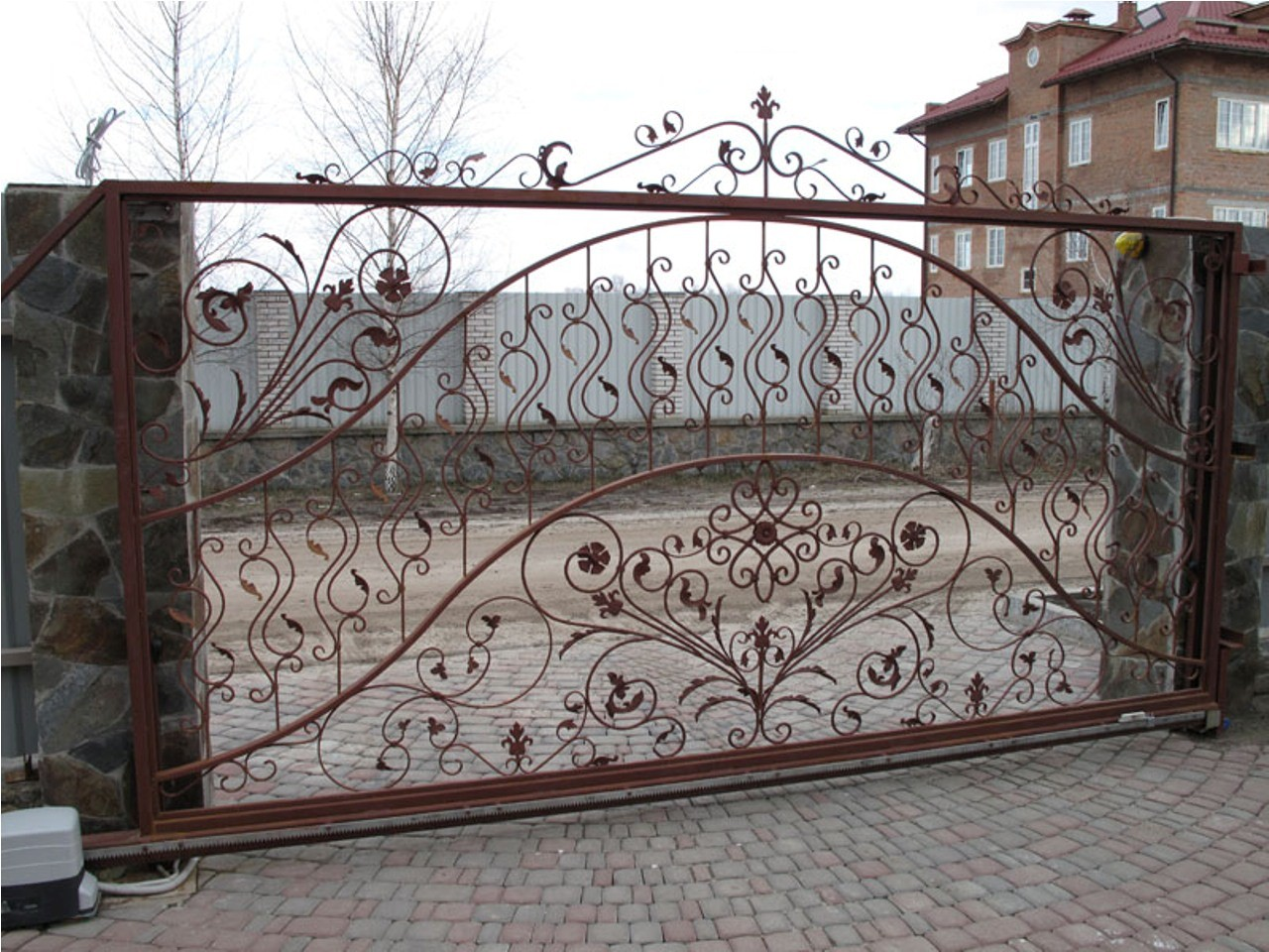 Фото ворот металлических с узорами