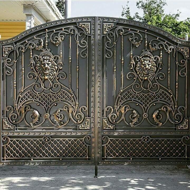 Кованые ворота со львами