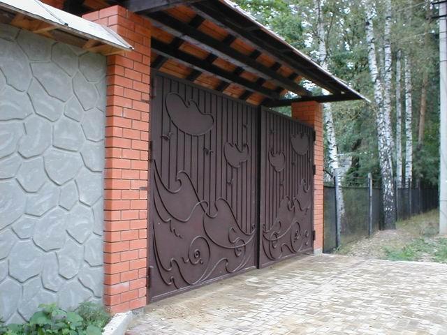 Кованые ворота для гаража