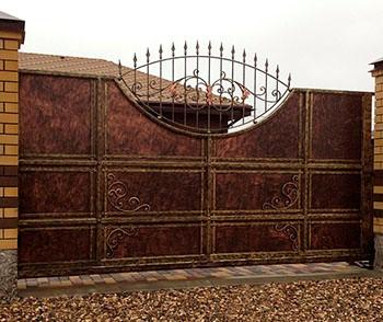 Раздвижные ворота с ковкой