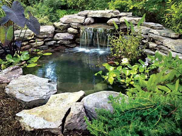 Как оформить водоем камнями