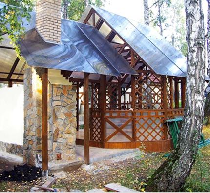 Пример беседки с односкатной крышей