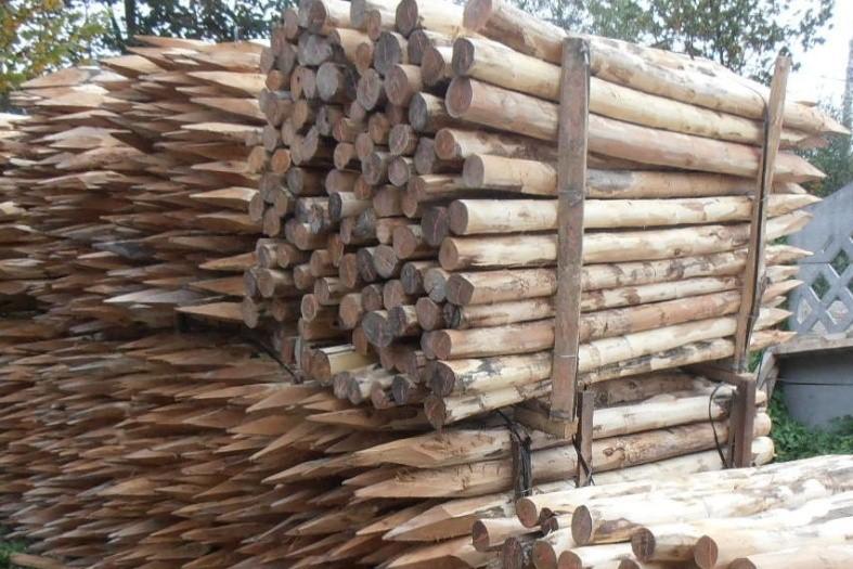 Деревянные столбы для забора своими руками