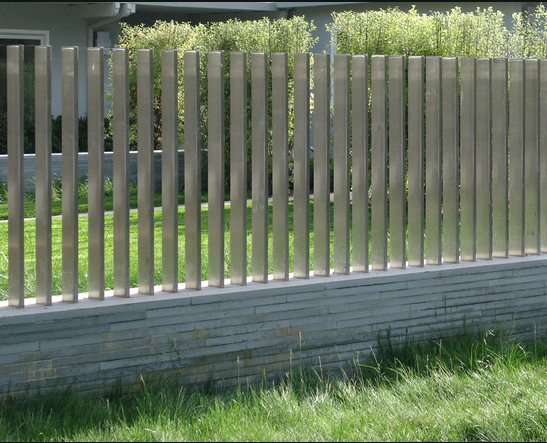 Из чего сделать забор дешево и красиво: материалы, цены, фото