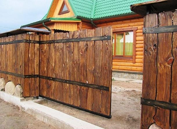 Откатные ворота из древесины