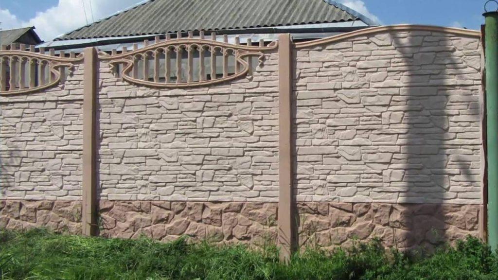 Красивые заборы для загородного дома на фото