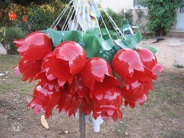 Цветы из пятилитровых бутылей