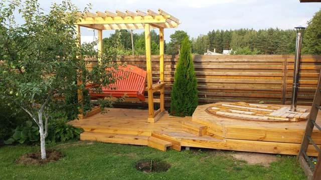 Деревянное покрытие для зоны отдыха