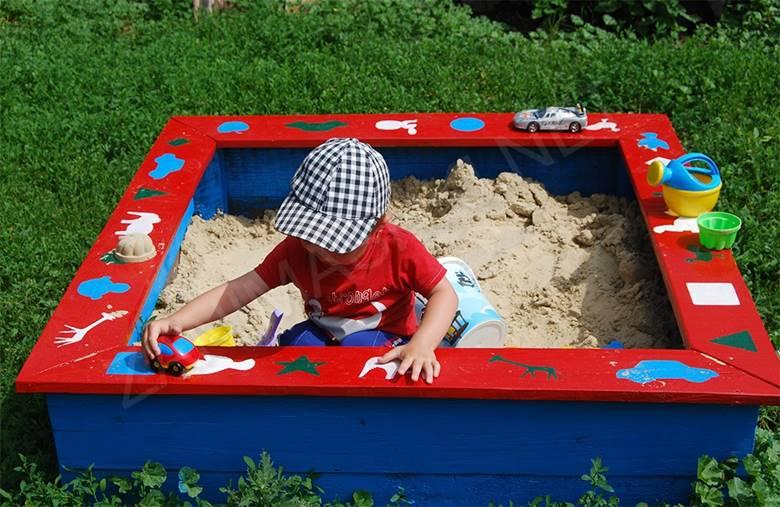 Расписная песочница для малыша