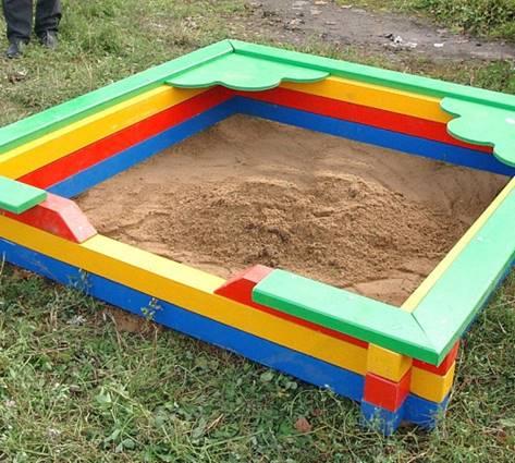 Песочница с фигурными элементами