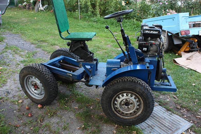 Трактор-переломка без кабины
